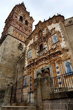 iglesia y torre de San Bartolomé