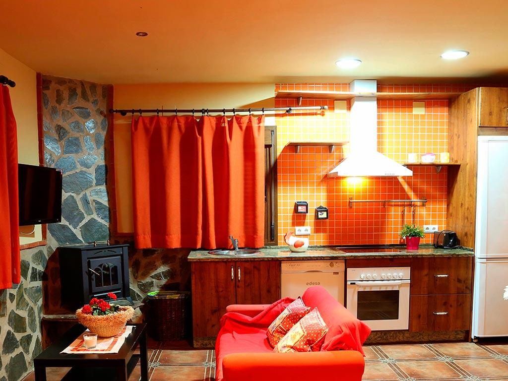 casa-rural-marcelina-cocina-salon-comedor-galeria