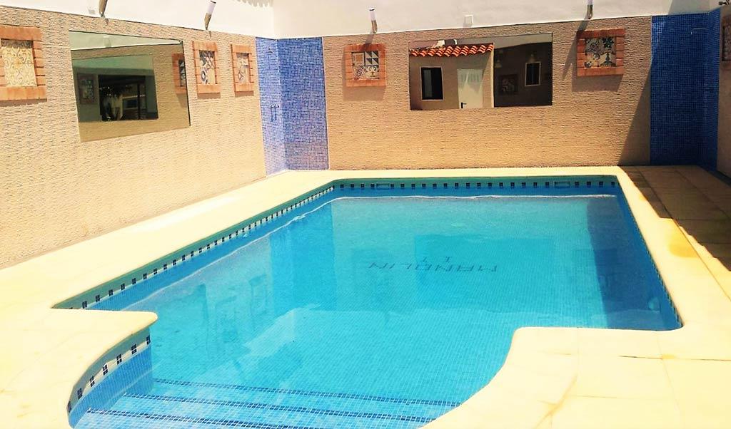 complejo-manolin-piscina-galeria-2